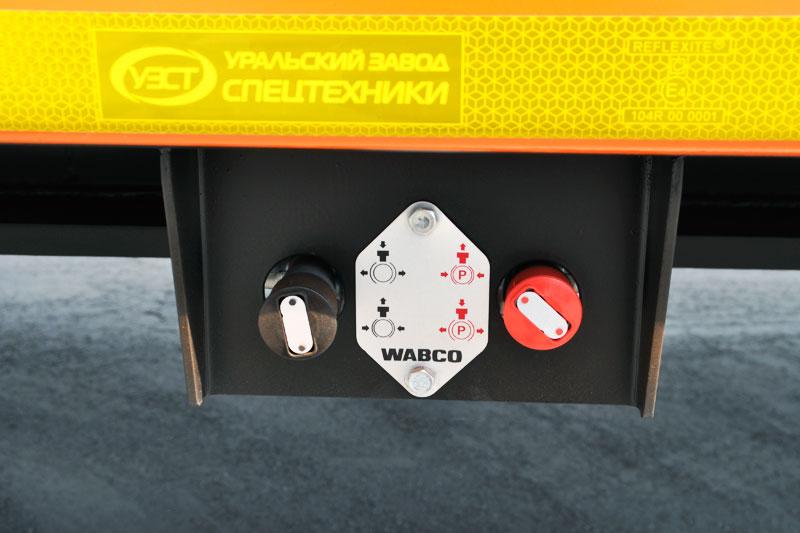 Привод стояночного тормоза: пневматический с энергоаккумуляторами