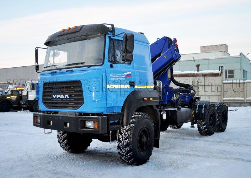 Седельный тягач на шасси Урал 4320-4972-82М с крано-манипуляторной установкой АНТ 12-2