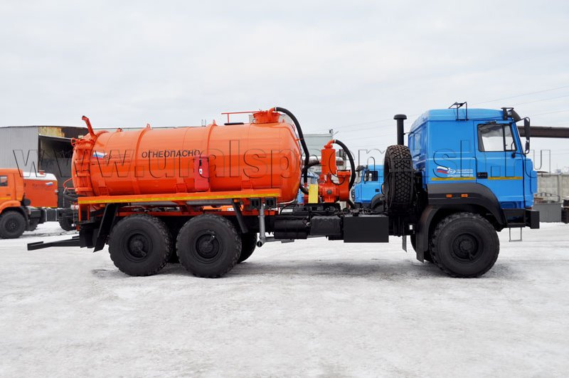 Агрегат для сбора газового конденсата АКН-10 на шасси Урал 4320-4972-82М