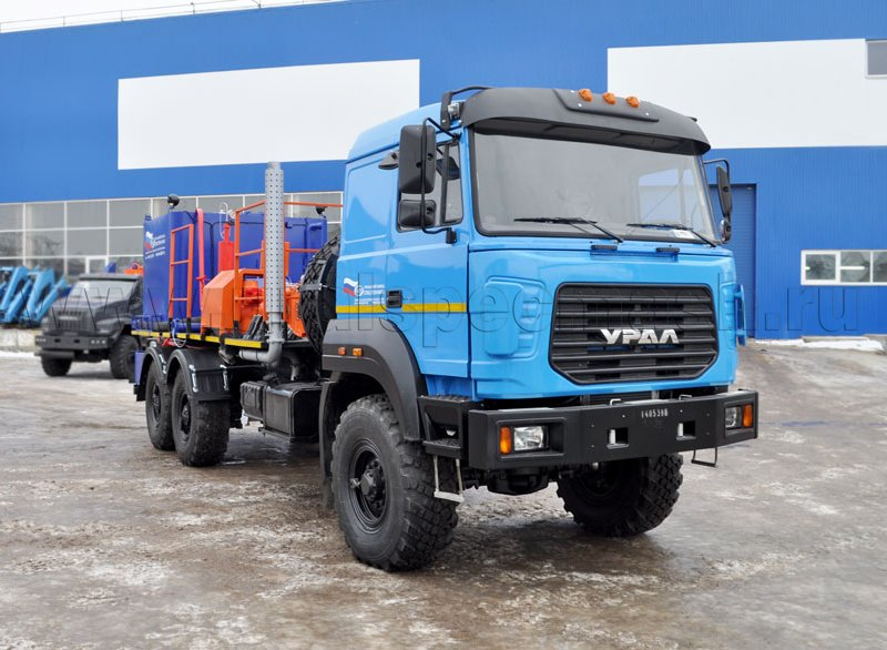 Цементировочный агрегат на шасси Урал 4320-4972-82