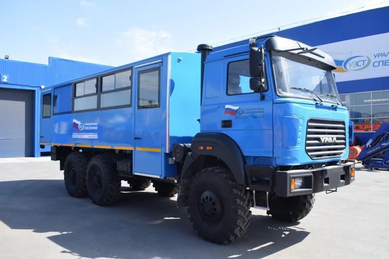 Вахтовый автобус Урал 3255-3013-79Е5-28 – 28+2 места