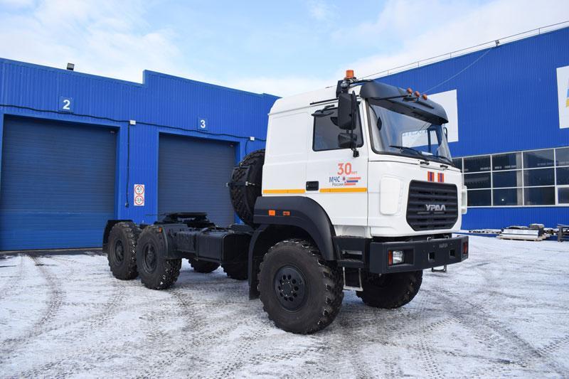 Седельный тягач Урал 44202-3511-82Е5 (МЧС)