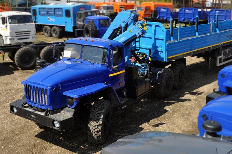 Седельный тягач Урал 4320-1912-60Е5 с КМУ ИТ-80 (г/п 3 т.)