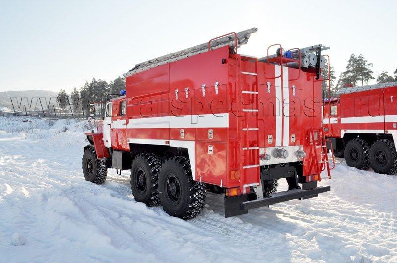 Пожарная автоцистерна АЦ-5,5-40 на шасси Урал 5557-1112-60М