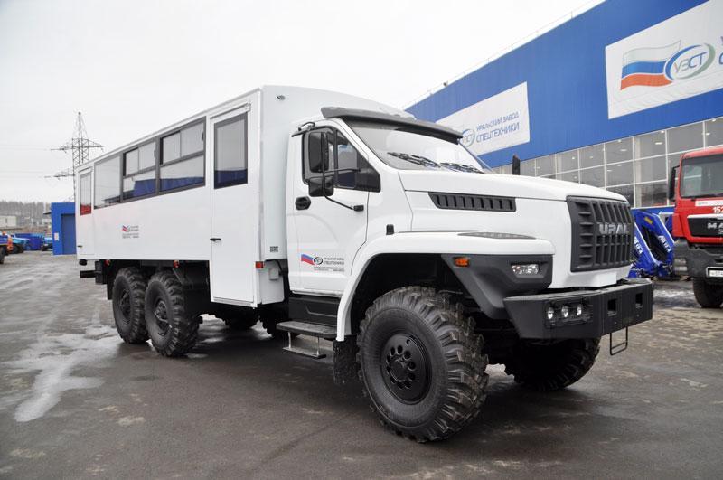 Вахтовый автобус Урал-NEXT 3255-5013-71Е5-28 – 28+2 места