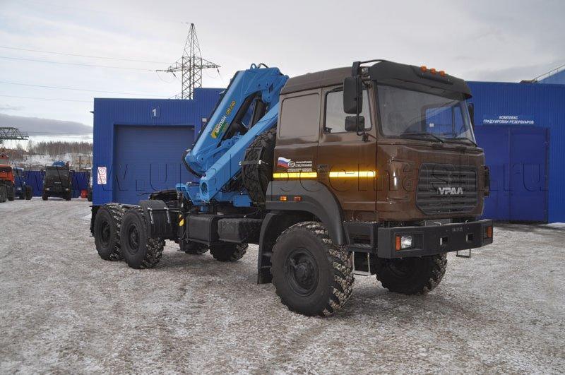 Седельный тягач Урал 4320-4972-80Е5 с КМУ ИМ-240-04