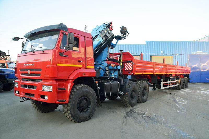 Седельный тягач Камаз 65221-6020-53 с КМУ ИМ-240-04 (г/п 7 т.)