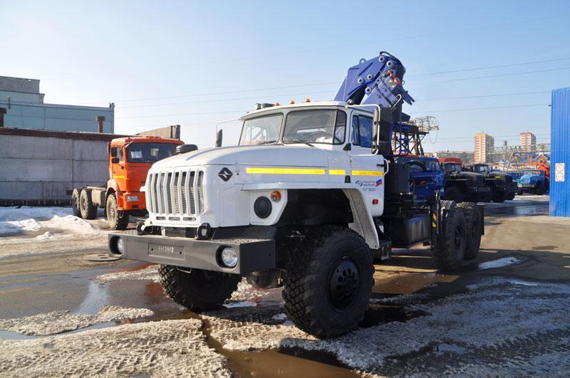 Седельный тягач Урал 4320-1912-60Е5 с КМУ АНТ 8.5-2
