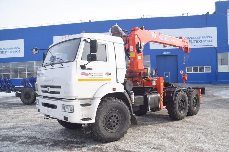 Седельный тягач Камаз 43118-3027-46 с КМУ Kanglim KS1256G-II (009)