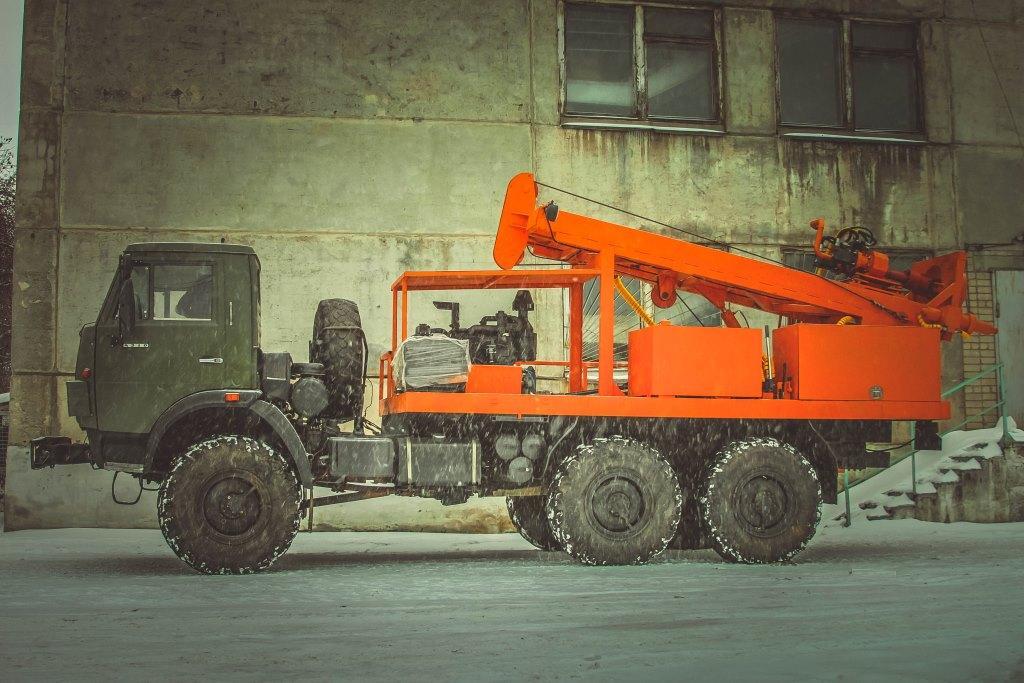Бурильно-крановая машина ПБУ-2