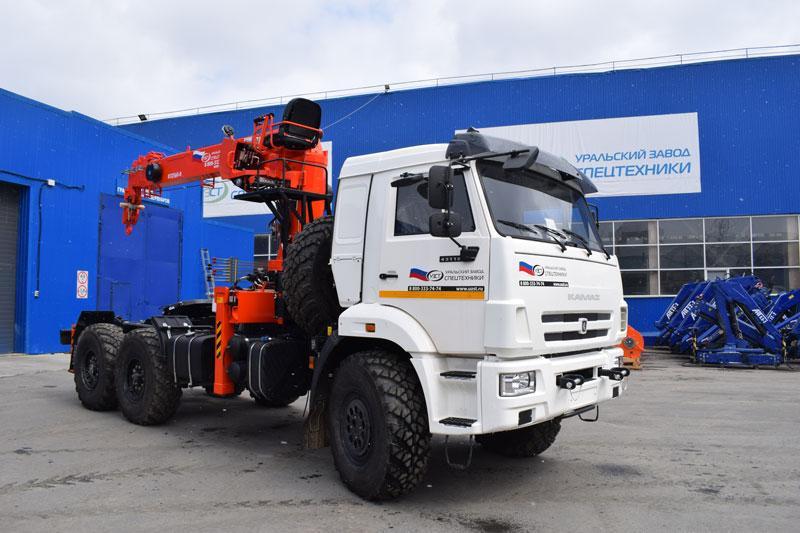 Седельный тягач Камаз 43118-3027-50 с КМУ Kanglim KS1256G-II (021, г/п 7 т.)