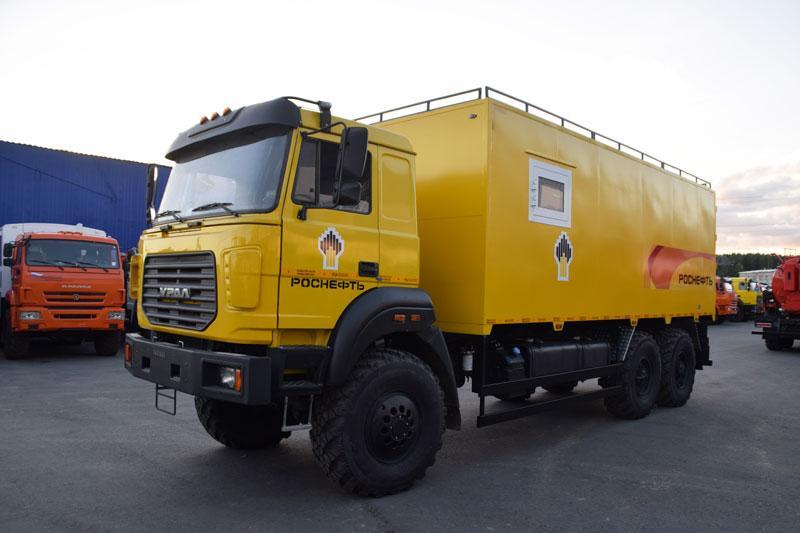 Вахтовый автобус Урал 4320-4952-82Е5 (006) с грузовым отсеком