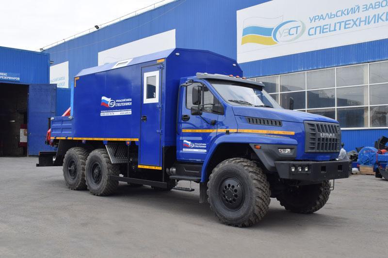 Передвижная маслостанция Урал-NEXT 4320-6952-72Е5Г38 с КМУ Palfinger PK 6500A