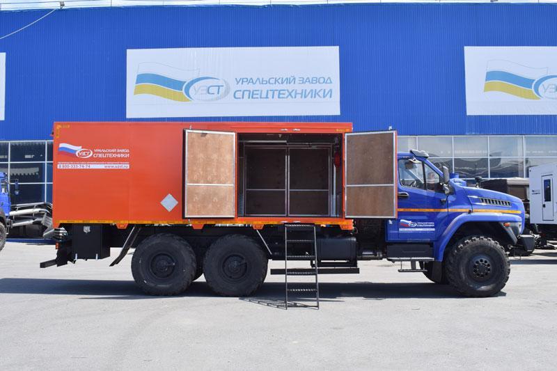Автомобиль для перевозки взрывчатых веществ Урал-NEXT 4320-6952-72Е5Г38 (013)