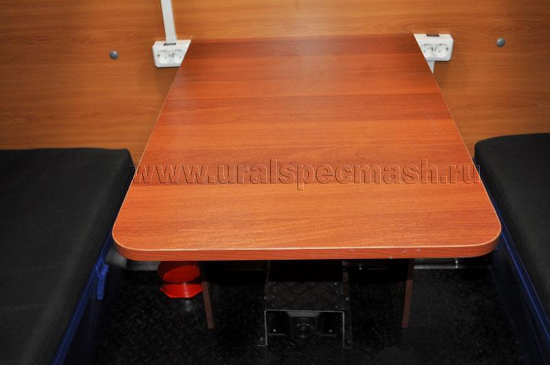 Установка стола, умывальника, газовой плиты